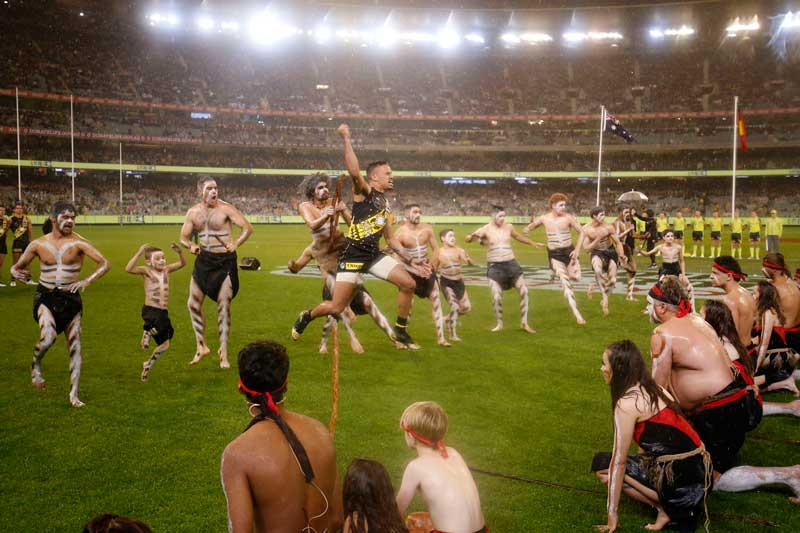 Richmond AFL, VFL and VFLW players embrace cultural dances – KGI